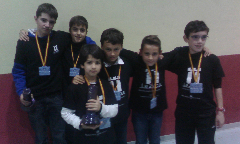 La Escuela Municipal de Ajedrez participa en Baños de Montemayor